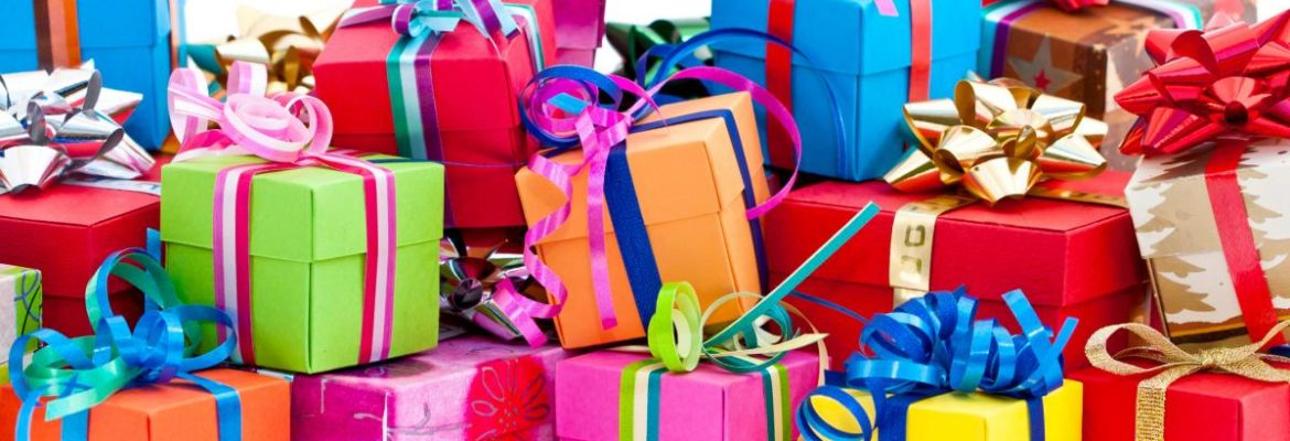 5 Gift Items To Give A Woman Depending On Her Personality Type