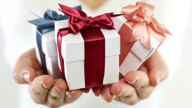 6 Things to Remember When Selecting Gifts For Groomsmen
