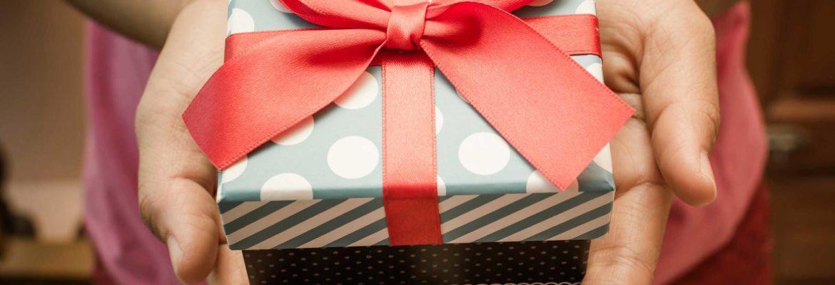 Why And How You Should Give A Personalized Gift For Your Loved Ones
